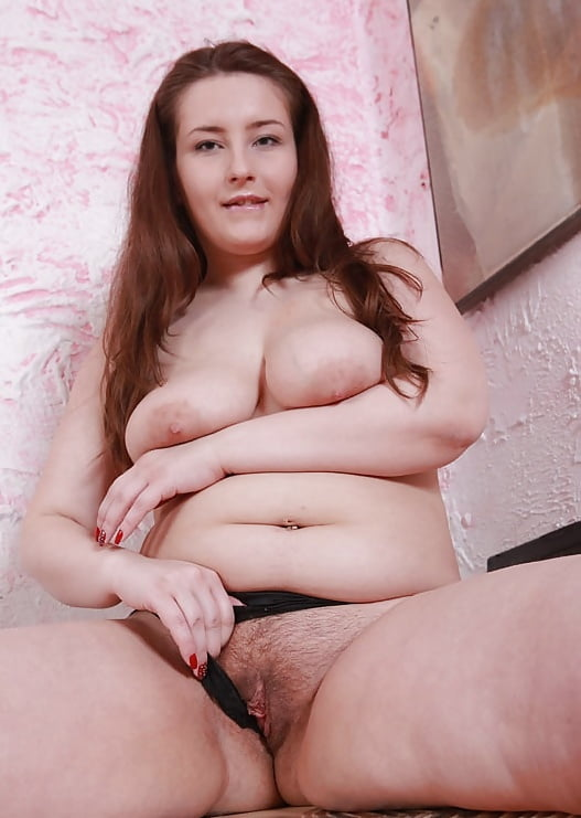 Amateur stripping from an adorable young plumper