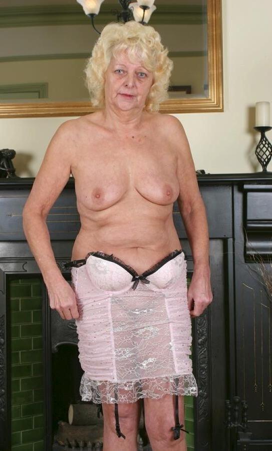 granny nicky  strip