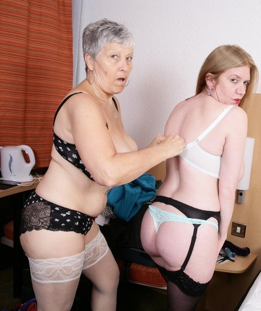 Granny Rose (aka Savanna) and her lesbian pal strip and play