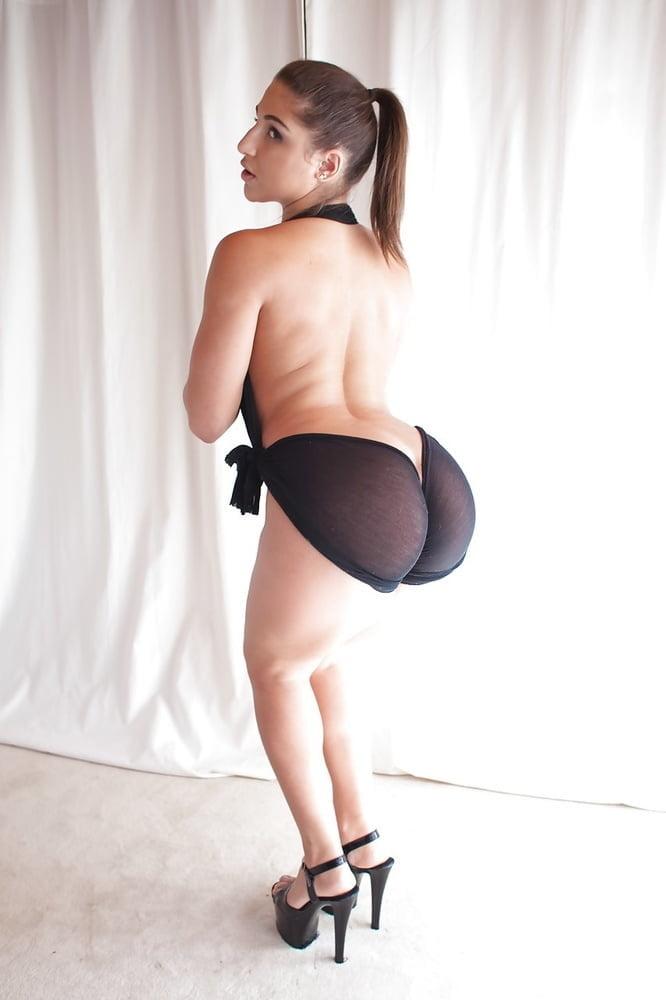 nice ponytailed blackhaird girl strips