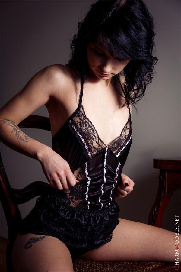 Voodoo thin elegant glamour babe